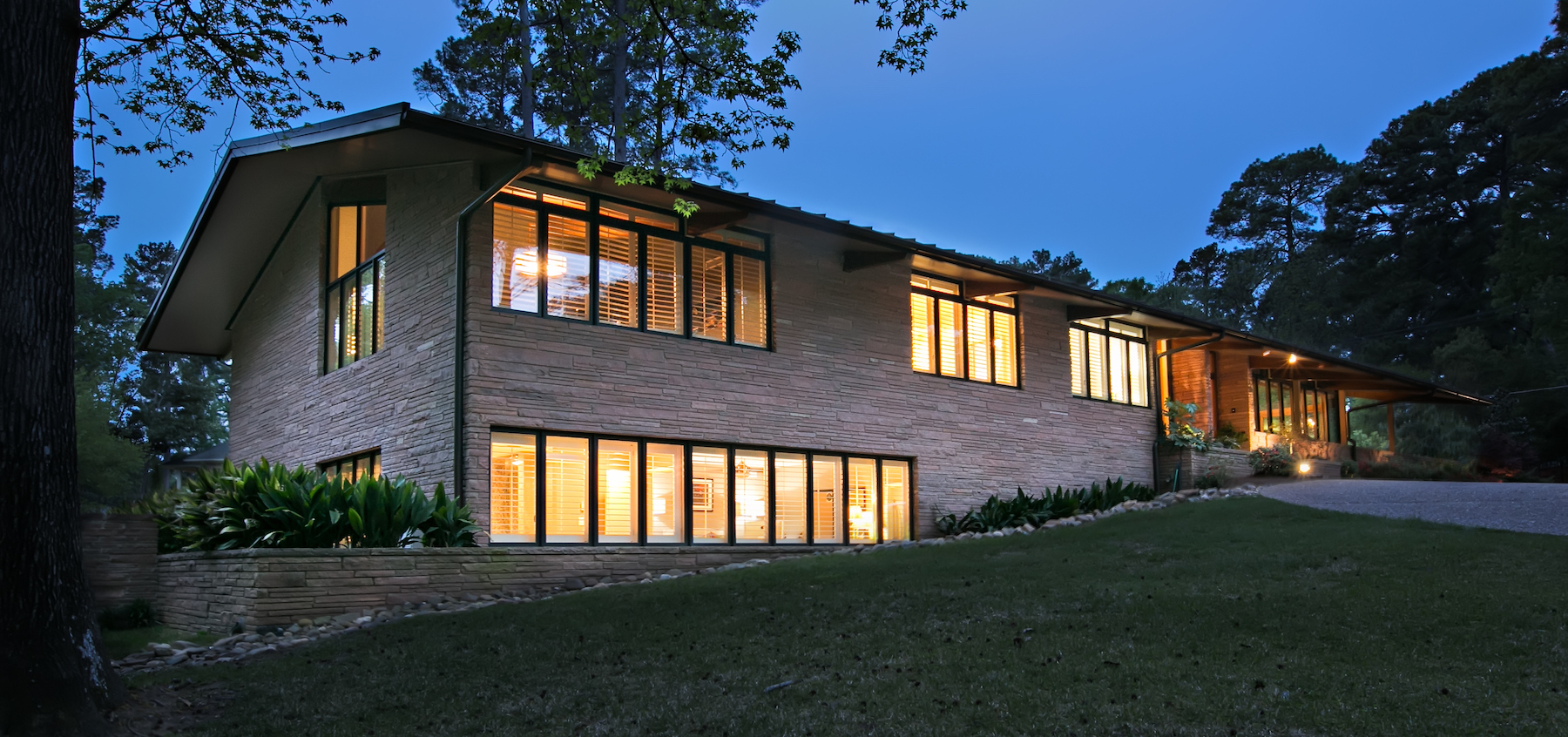Mid Century Modern Home Exterior_Front.jpg