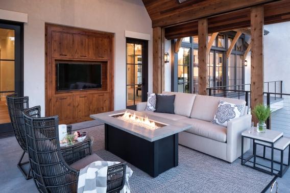 Hendel Home Outdoor Porch